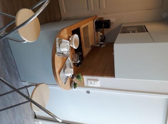 kitchenette et table de bar