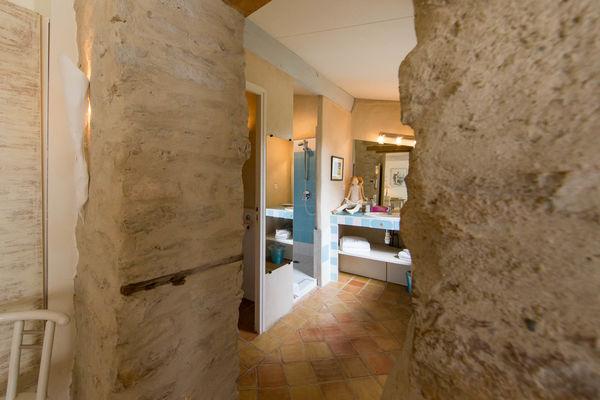 Gîte Les Lilas : entrée salle de bain n°1