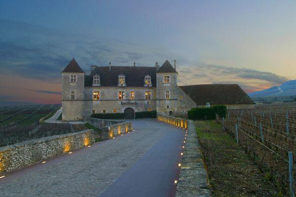 chateau-du-clos-de-vougeot---beaune-tourisme-jlbernuy-min_29461581274_o