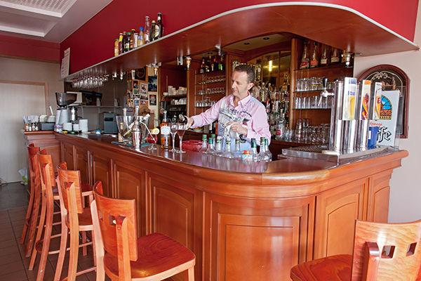 bar-hotel-les-voygeurs-ile-yeu-629
