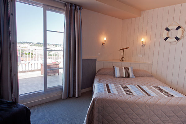 chambre-vue-village-hotel-les-voygeurs-ile-yeu-632