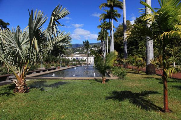 Le Museum d'Histoire Naturelle est situé dans le Jardin de l'Etat - Muséum d'Histoire Naturelle