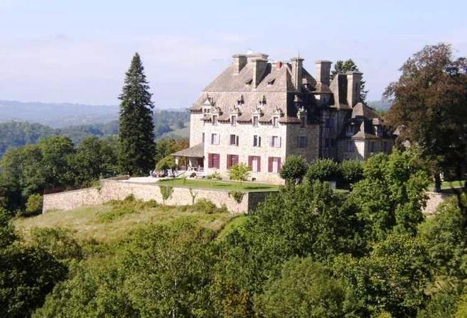 Le ch teau du doux altillac vall e de la dordogne - Office du tourisme beaulieu sur dordogne ...