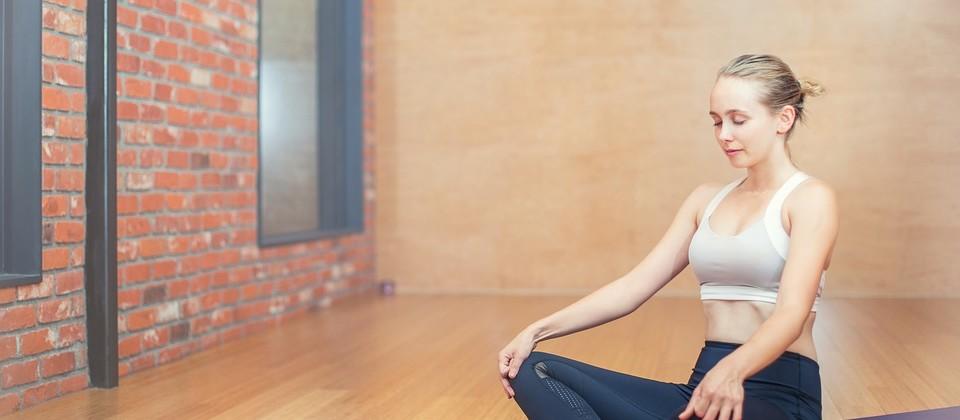 Yoga2. CP lograstudio.jpg