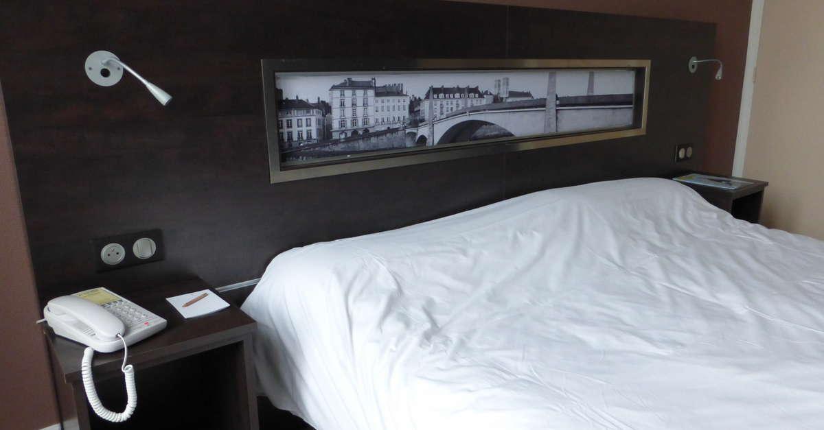 h tel restaurant saint r gis chalon sur sa ne office. Black Bedroom Furniture Sets. Home Design Ideas
