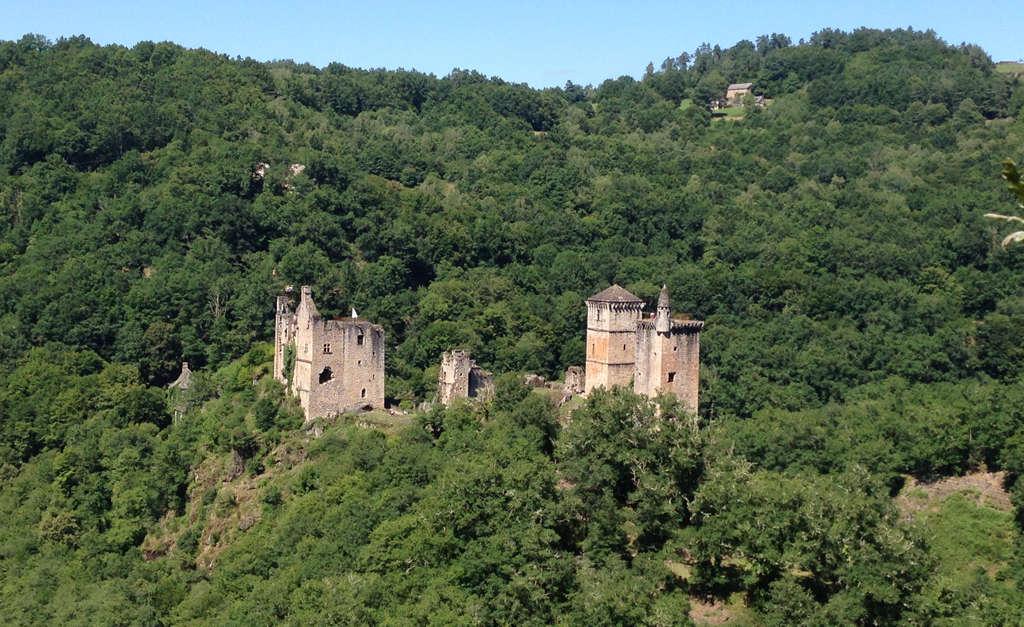 Les tours de merle saint geniez merle vall e de la - Office de tourisme collonges la rouge ...