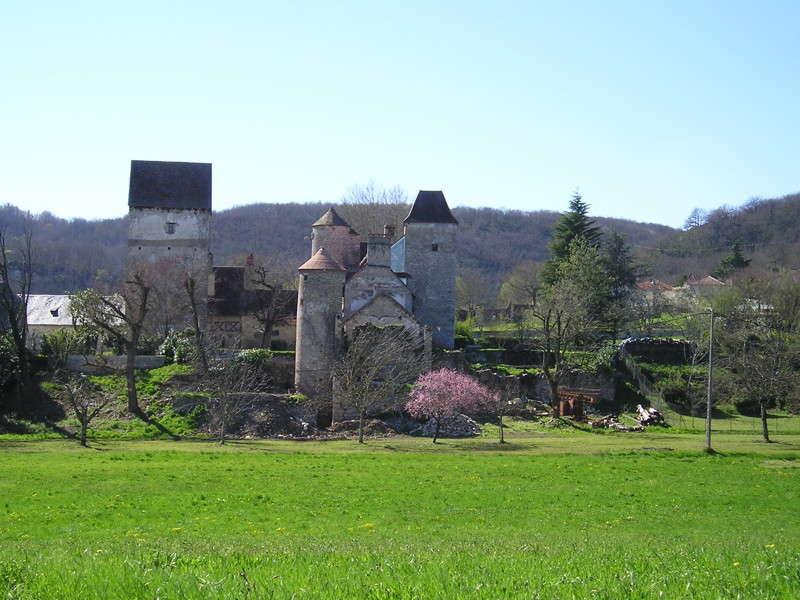 Les falaises de la dordogne et leurs villages saint sozy - Office de tourisme collonges la rouge ...