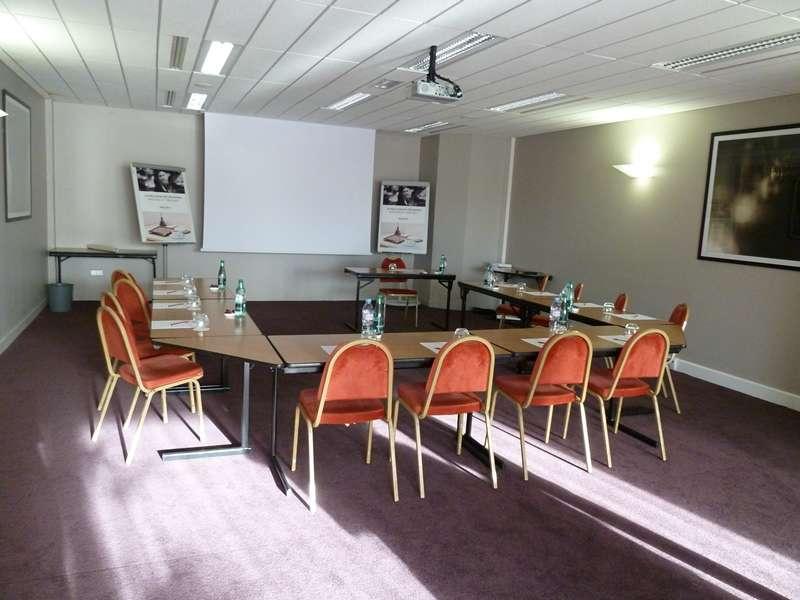 H tel restaurant mercure reims centre cath drale reims - Salon moto charleville ...