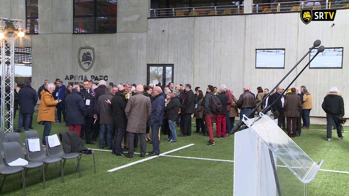 Minute Jaune et Noire : inauguration de l'Apivia Parc