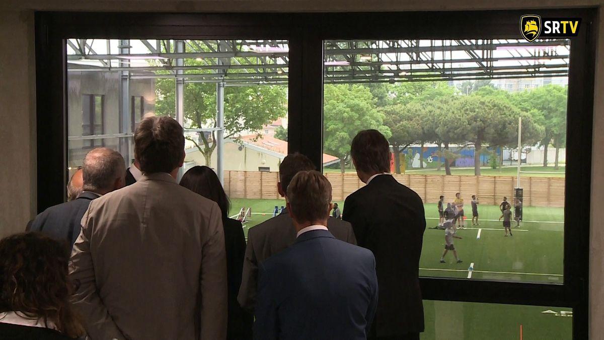 Minute Jaune et Noire - La Ministre visite l'Apivia Parc