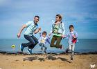 victoria-facella-photographie-séance-famille-extérieur-plage-saint-martin-ile-de-ré-33.jpg