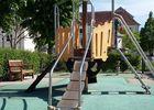 aire_de_jeux_enfants_Place_République_La_Roche_Posay (4).jpg