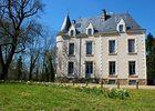 chateaudelaroche-facade1-sit.jpg