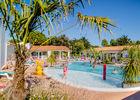 iledere-piscine-les-varennes.jpg
