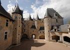 Cour du Château de Fougères-sur-Bièvre en Loir er Cher