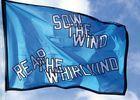 drapeau-lawrence-weiner-2014-edition-du-grand-large-342.jpg