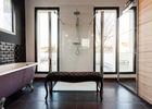 chambre d'h+¦te salle de bain face douche.jpg