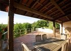 Grande terrasse aménagée et couverte