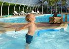 Camping le Point du Jour à Merville-Franceville - piscine et enfant