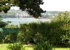 Jardin clos avec vue sur l'estuaire du Trieux