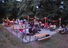 Camping-Les-Etangs-La-Richardais-table-festive