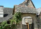 A Cahus, magnifique toit de lauzes.