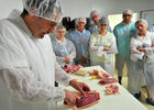 Atelier de préparation du canard - Ferme de Roubegeolle Vayrac_02 © Lot Tourisme - C. ORY