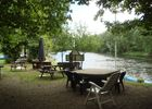 Camping_Lot_table_pierre