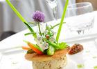 Suprême de volaille en rillettes, tartine pain et côpeaux de légumes - restaurant Le Beau Site_01 © D. Nakache