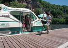 Velo sur ponton devant bateau © Lot Navigation
