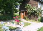 La Maison de Marie - le petit déjeuner dans le jardin