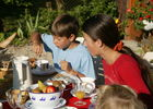 La Maison de Marie - le petit déjeuner dans le jardin 2