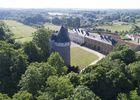 parc-du-chateau-de-l-hermenault-85570-01