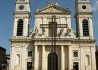 Cathedrale notre dame Montauban facade croix