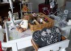 L'Atelier de Patricia à Saint-Germain-de-Livet meuble et couverts