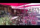 Crêperie Maël trech et sa terrasse en centre-ville de Malestroit - Morbihan - Bretagne