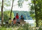 Pique-nique au bord du  lac de Trémelin
