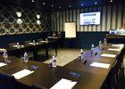 Salle de séminaire avec paper board, visio conférence