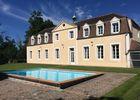 Château avec piscine