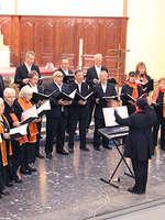 100 Choristes et Musiciens réunis