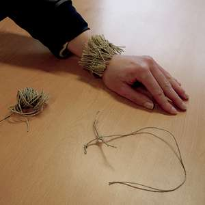 Atelier Fabrique ton bracelet comme à l'époque Préhistorique
