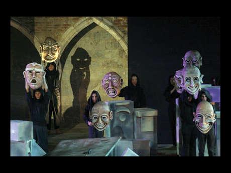Exposicion / Masques en scène