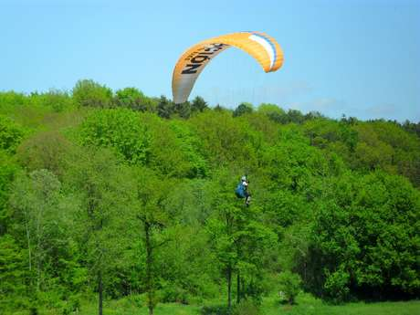 Les Condors: Club en school for Paragliding en Paramotor