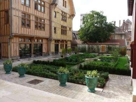 Jardin Juvenal-des-Ursins
