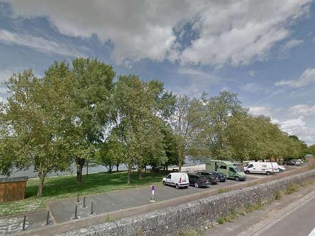 Aire de stationnement Blois - Port de la Creusille