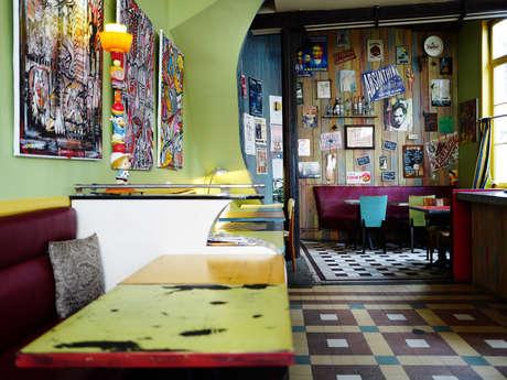 Café-galerie Le Camel à Léon
