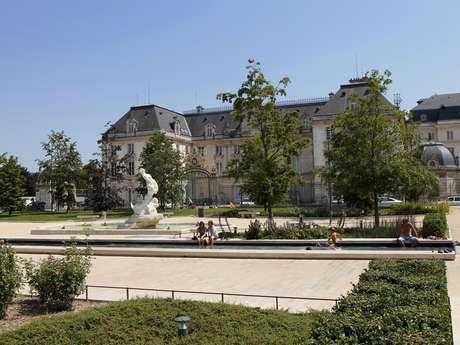 Das Hôtel de la Préfecture - Die ehemalige Abtei Notre-Dame-aux-Nonnains