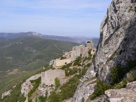 Excursion partagée en minibus - Journée - Châteaux de Quéribus & Peyrepertuse + village de Cucugnan - F/GB