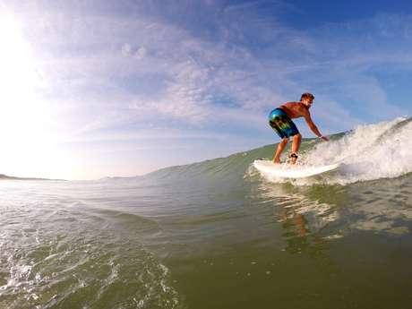 ÉCOLE DE SURF - SURF IN RÉ - COURS DE SURF ET LOCATIONS