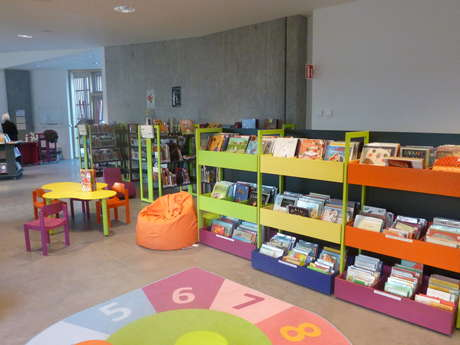 Donville les Bains Library